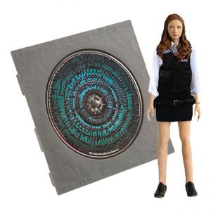 Doctor Who - Amy Pond in Policewoman Outfit Action Figure