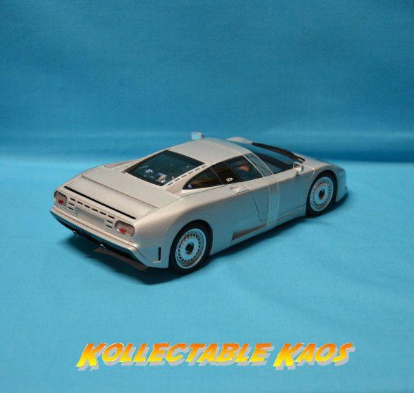 1:18 AutoArt - Bugatti EB110GT - Silver