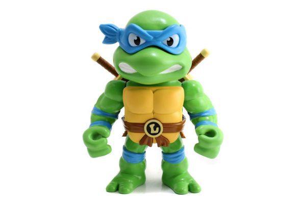"""Teenage Mutant Ninja Turtles - Leonardo with Armor 15(6"""") Metals Die-Cast Action Figure"""