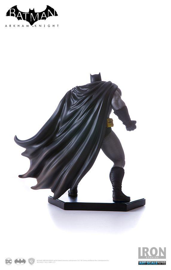 Batman: Arkham Knight - Batman Dark Knight DLC Series 1/10th Scale Statue