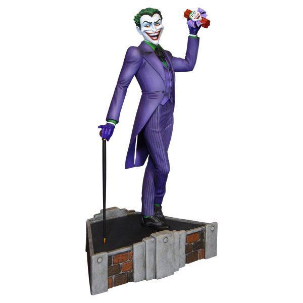 TWE902897 classic Joker 600x600 - Batman - Classic Joker Maquette Statue