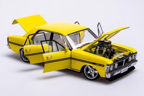A72792 Ford XY 2 600x400 - 1:18 Ford XY Falcon Street Machine - Hazard Neon Yellow(Pre order)