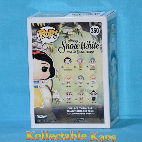 FUN21919 Snow White GT Pop 2 600x600 - Snow White and the Seven Dwarfs - Snow White Diamond Glitter Pop! Vinyl Figure (RS) with Hot Topic Sticker #350