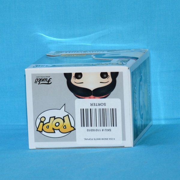 FUN21919 Snow White GT Pop 3 600x600 - Snow White and the Seven Dwarfs - Snow White Diamond Glitter Pop! Vinyl Figure (RS) with Hot Topic Sticker #350