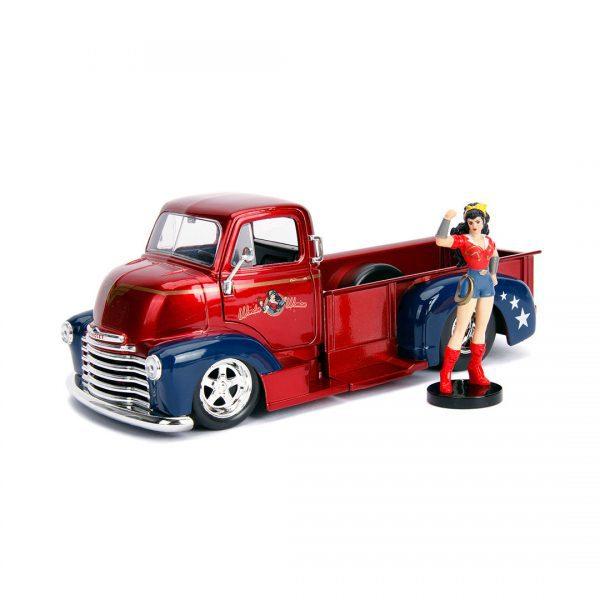 1:24 Jada Hollywood Rides - 1952 Chevy Pickup - DC Bombshells Wonder Woman