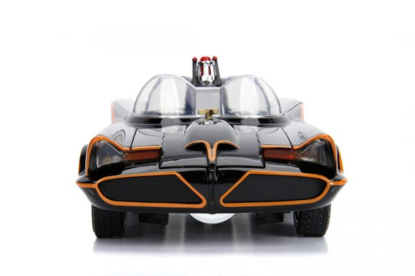 JAD98625 1966 Batmobile with Figure 2 600x400 - 1:18 Jada - 1966 Classic TV Series Batmobile w/Batman Figure Movie
