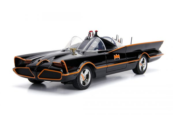 JAD98625 1966 Batmobile with Figure 3 600x400 - 1:18 Jada - 1966 Classic TV Series Batmobile w/Batman Figure Movie