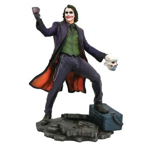 "DSTNOV182293 Batman Dark Knight Joker PVC Diorama 1 300x300 - Batman: The Dark Knight - The Joker DC Gallery 22cm(9"") PVC Diorama Statue"