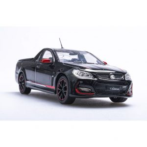 1:43 2017 Holden VF Commodore II Magnum Ute - Phantom Black