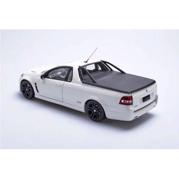 1:18 Holden VFII Commodore SSV Redline Ute - Heron White