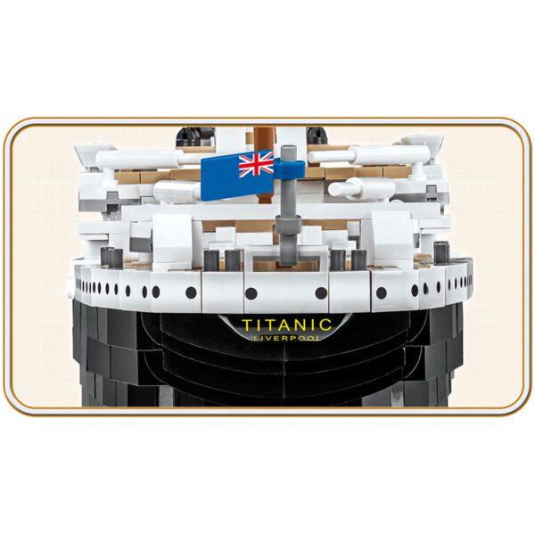 Titanic - R.M.S. Titanic 1:300 scale 2840 piece Construction Set