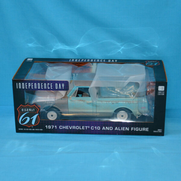 1:18 Greenlight - 1971 Chevrolet C-10 with Alien Figure from Independence Day